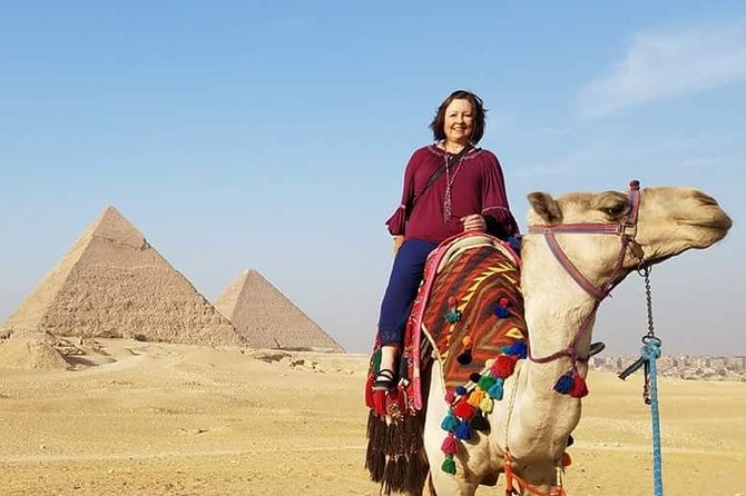 10-Hour Private Layover Tour: Giza Pyramids and Egyptian Museum from Cairo Airport