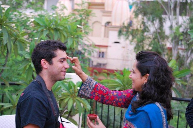Genießen Sie High Tea mit einer indischen Familie in Neu-Delhi
