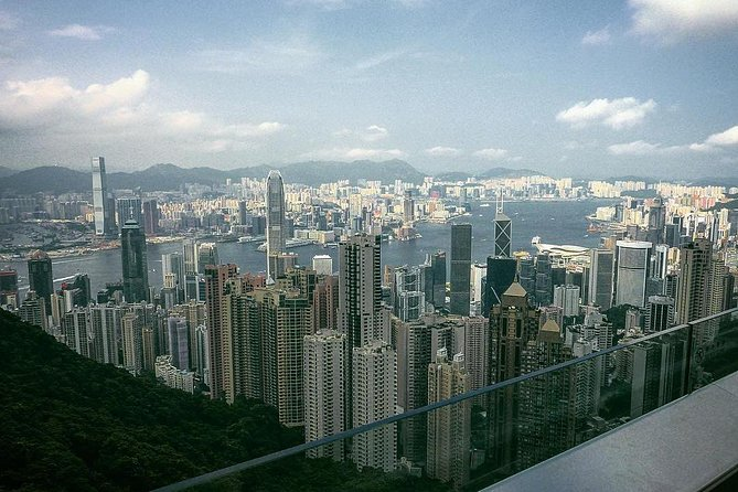 Hong Kong Afternoon Sightseeing Tour Plus Dinner Cruise with Hotel Pickup from Kowloon area photo 4