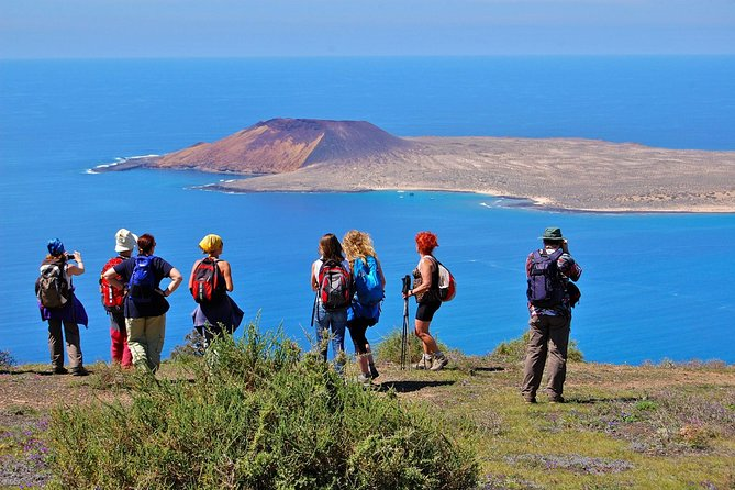 Monte Corona Volcano and Cliff Hike from Lanzarote