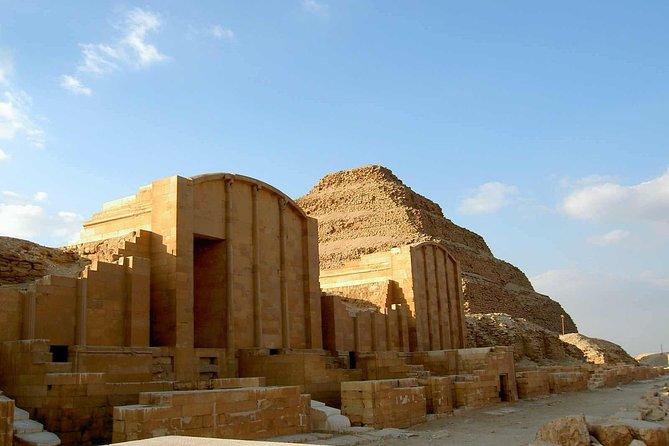 Private Day Tour to Pyramids Memphis and Sakkara from Alexandria