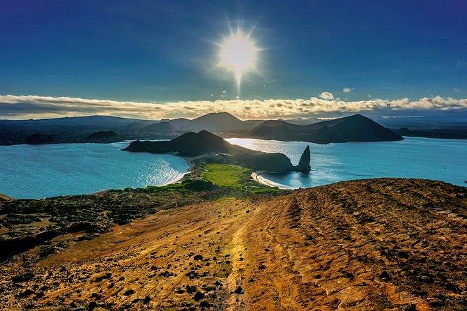 6-Day Hotel-Based Galapagos: Santa Cruz and Navigable Islands