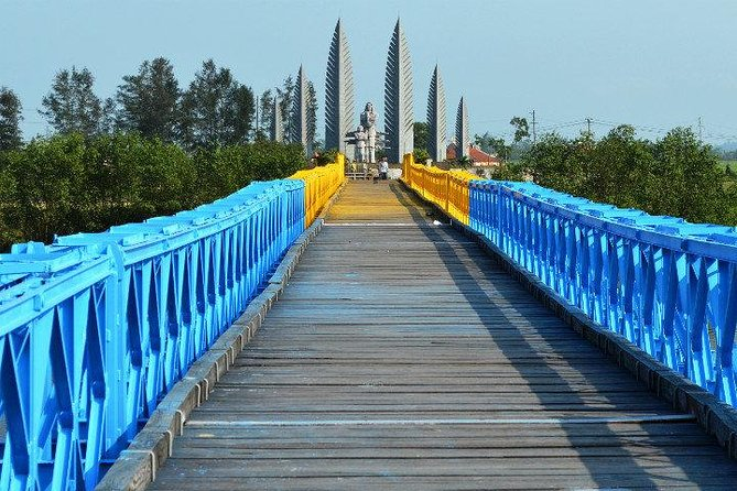 Private Day Tour Danang - DMZ - Danang