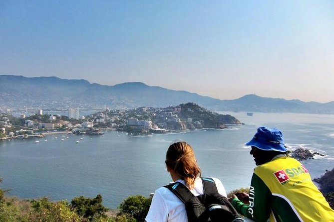 Hiking Tour on Roqueta Island in Acapulco photo 1