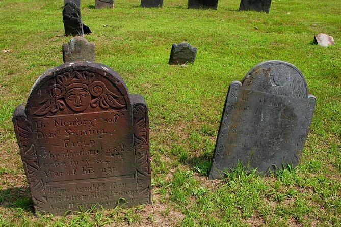 Haunted Cemetery Walking Tour i Alton