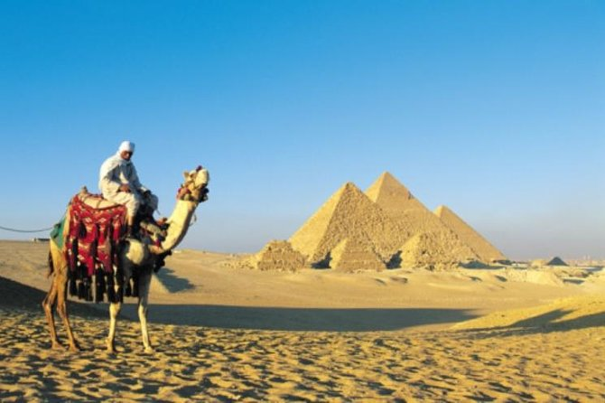 Low Budget Holiday in Cairo Discover Giza Pyramids Saqqara and the Old City in 2 Days