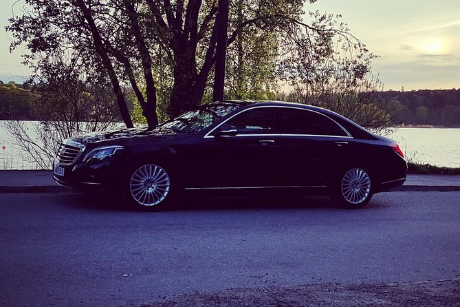 First Class Airport Limousine Transfer: Sturup Airport to Malmö City