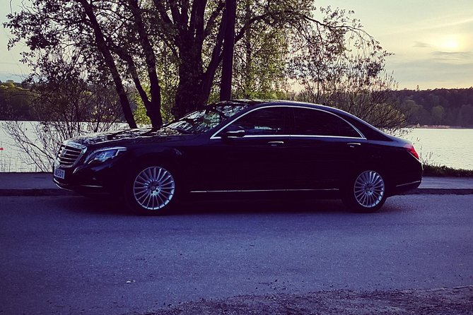 First Class Airport Limousine Transfer: Malmö City to Sturup Airport