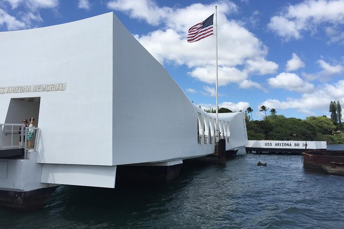 Waikiki Private Tour: Pearl Harbor and USS Arizona Memorial
