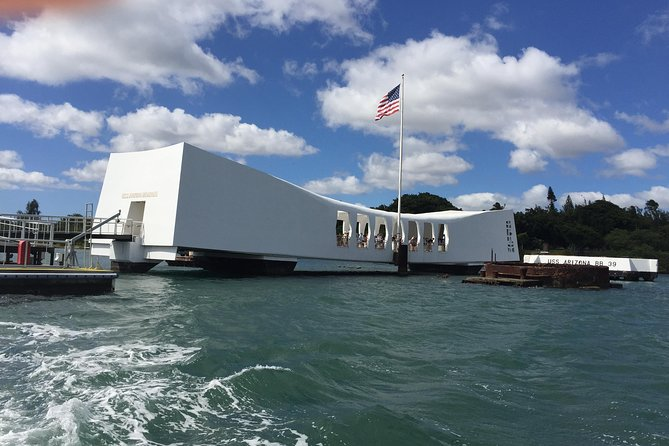Oahu Pearl Harbor and North Shore Day Tour from the Big Island