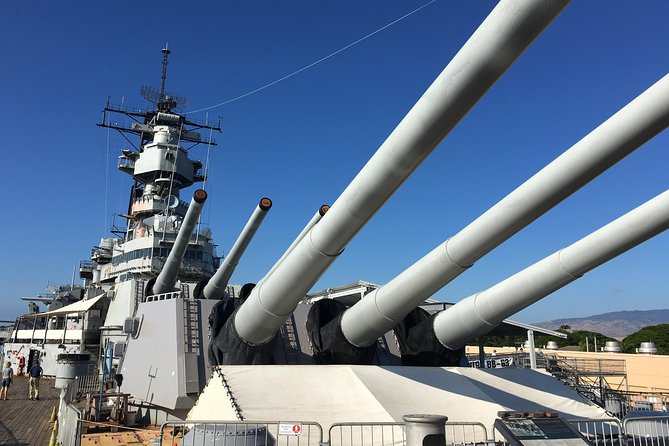 Oahu Day Trip: Battleships Tour of Pearl Harbor Tour from Kauai