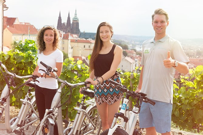 Prague E-bike Guided Tour with small group or private option