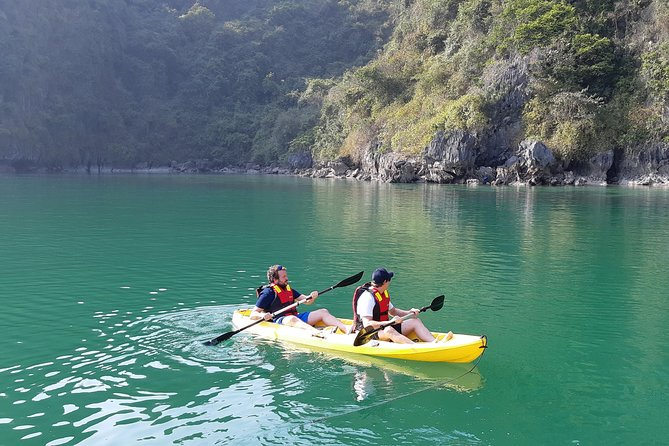 Kayaking in Dark and Bright caves 2 Bays in 2-day cruise