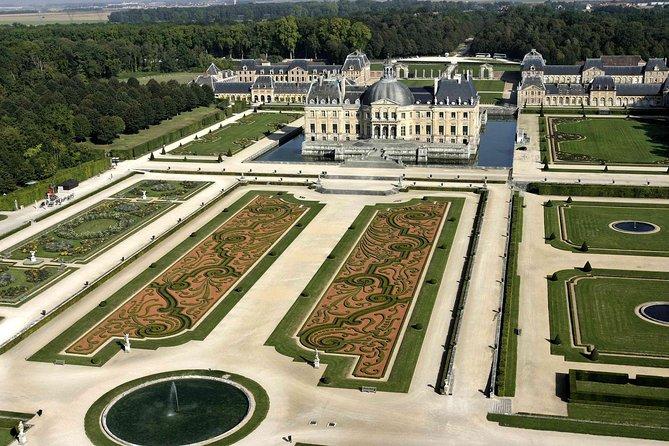Fontainebleau & Vaux le Vicomte Chateaux Day Trip from Paris