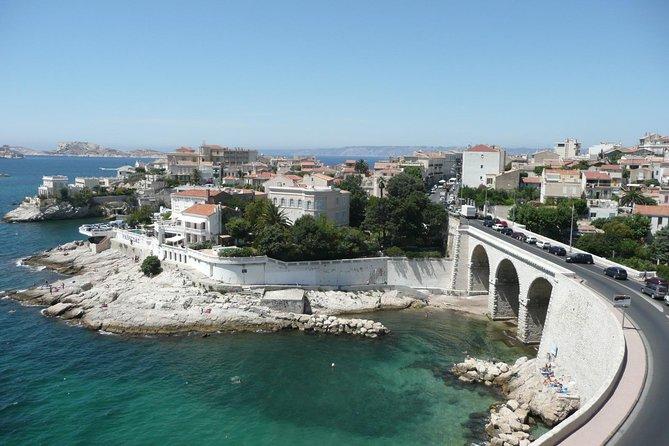 Visite guidée en petit groupe de Marseille et Cassis avec croisière dans les calanques