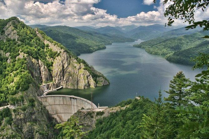 Private Tour from Brasov to The Ruins of Vlad the Impaler's Citadel, Vidraru Lake and Curtea de Arges Monastery