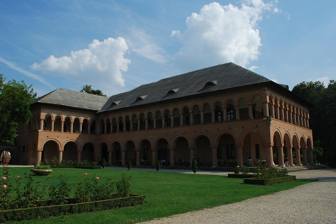 Snagov Monastery and Mogosoaia Palace Private Day Trip