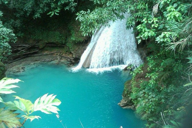 The Best of Dunn's River & Blue Hole Tour with River Tubing from Ocho Rios