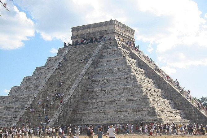 Chichen Itza Tour Plus with Cenote Swim from Cancun