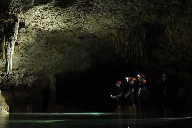 Privilege Rutt Privat äventyrstur på Rio Secreto naturreservat