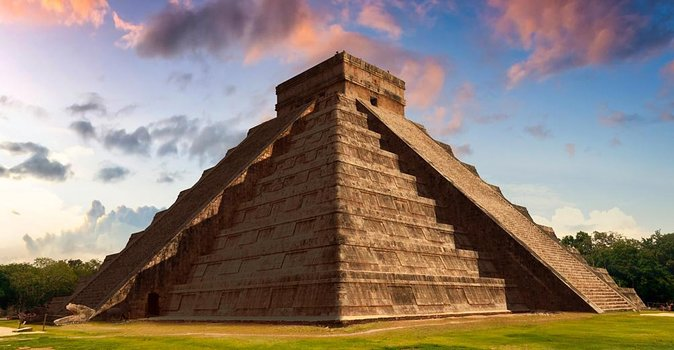 Chichen Itza Deluxe Tour from Cancun photo 1