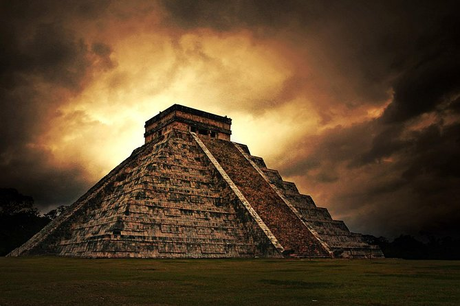 Tour VIP to Chichén Itzá, Valladolid and a Real Mayan Cenote from Cancun