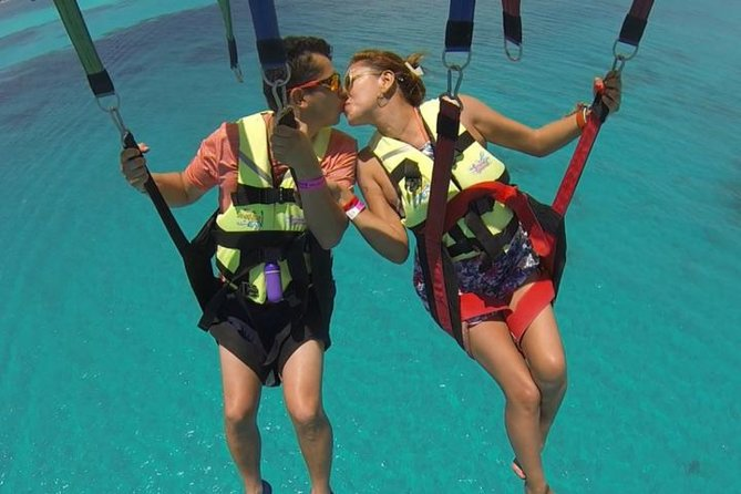 Parasailing from Isla Mujeres Including Transport
