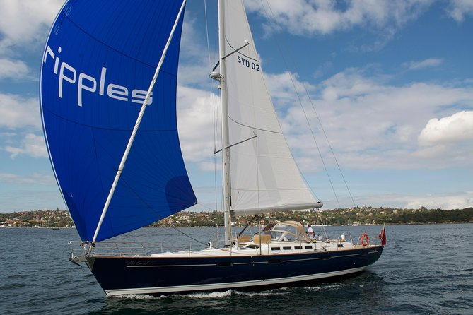 Private Group Sydney Tour in One Day Including Luxury Super Yacht Cruise on Sydney Harbour