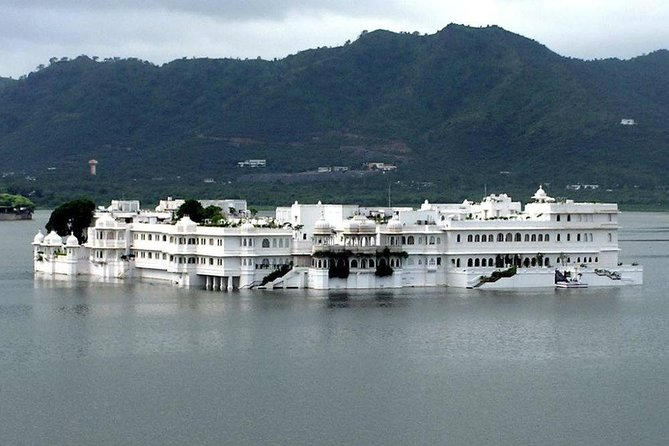Full day sight seen tour of Udaipur India photo 3