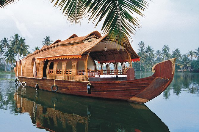 Best of Backwaters of Kerala House Boat and Wildlife Tour
