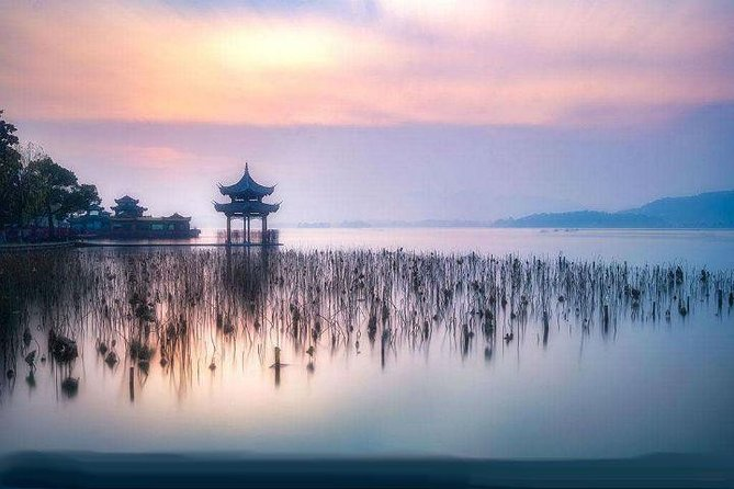 Hangzhou Highlights Private Day Tour with West Lake Boat Ride from Shanghai
