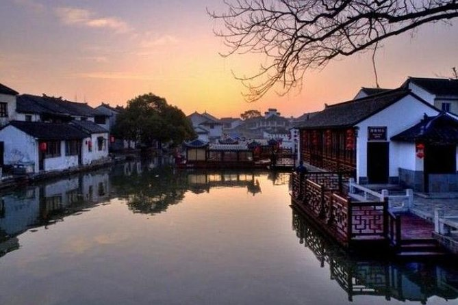 Tongli Water Village Tour from Shanghai including Boat Ride and Tuisi Garden
