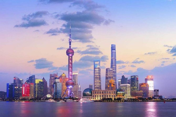 Half-Day Private Shanghai Tour by English Driver Guide including Bund, Xintiandi