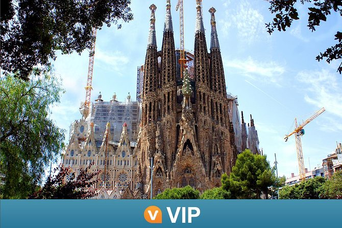 La Sagrada Familia and Torres Bellesguard Guided Tour with Optional Brunch