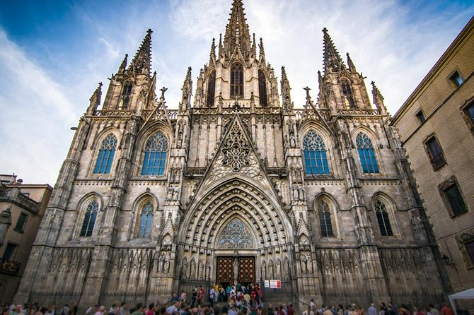 The Best of Barcelona in One Day with Optional Paella lunch