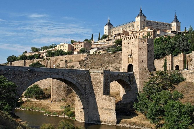 Toledo On Your Own + Walking Tour: Full Day with Optional Entry to Monuments