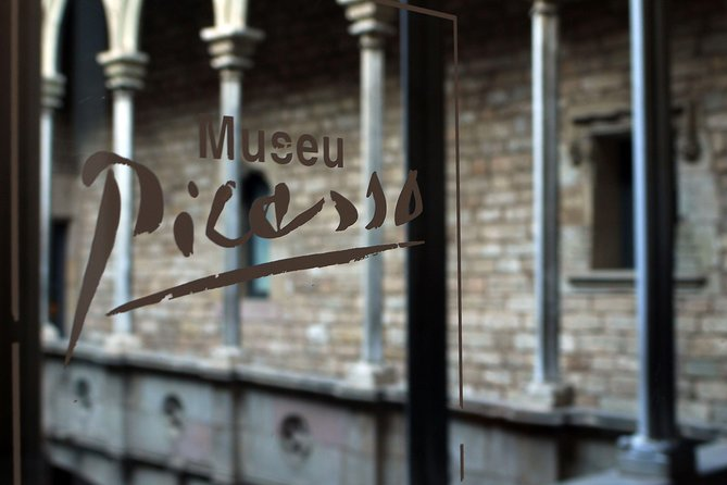 Early Picasso Museum & Gothic Quarter Tour with Breakfast at Palau de la Musica Catalana