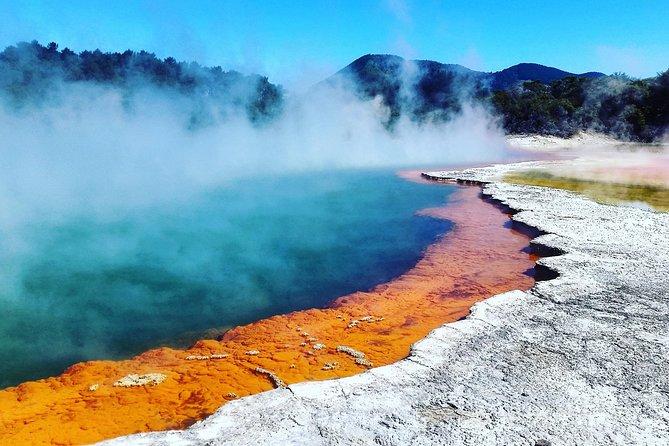 Absolutely Rotorua: Wai-O-Tapu, Waimangu, Rotorua Sights and Mitai Maori Village