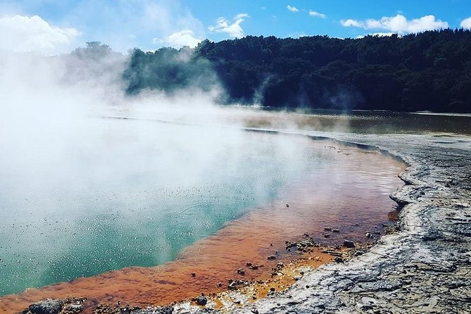 Wai-O-Tapu Thermal Wonderland Option to add Waimangu, Hobbiton or Whakarewarea
