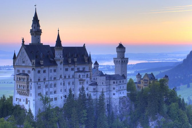 Private Tour: Royal Castles of Neuschwanstein and Hohenschwangau from Munich