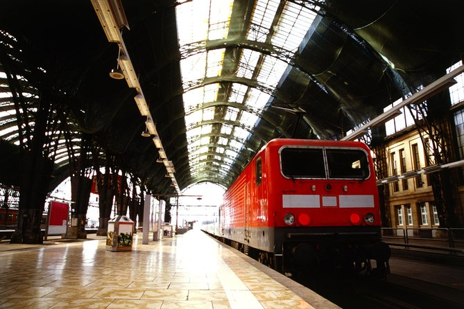 Traslado de Partida Privado: Hotel para a Estação de Trem de Colônia