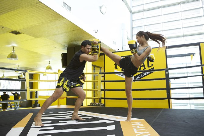 Private 1-1 Thai Boxing lesson near Bangkok's Rama 9 MRT station