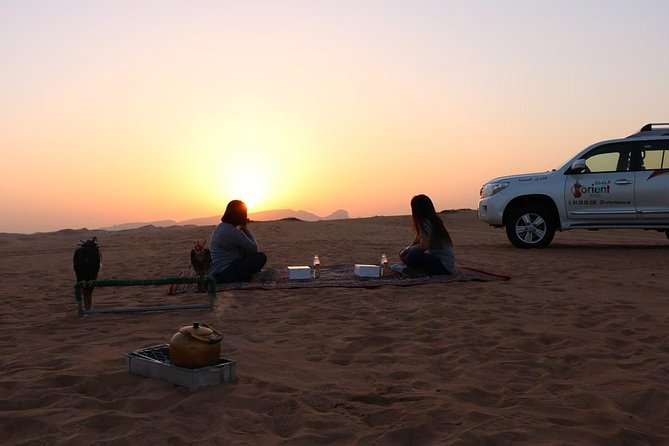 Sunrise Desert Safari with Falcon show & Picnic Breakfast photo 8