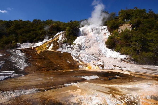 Recorrido geotérmico autoguiado en Orakei Korako