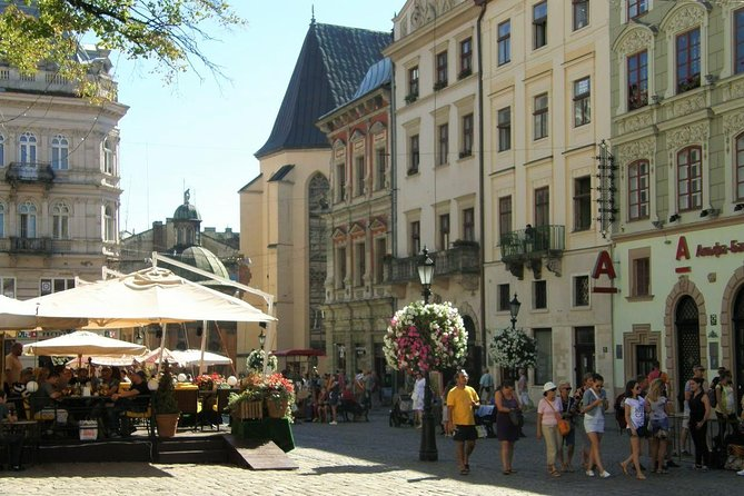Lviv Old Town Walking Tour: Rynok Square