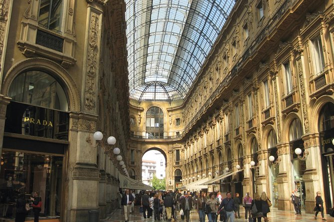 Milan City Tour by Historic Tram photo 2