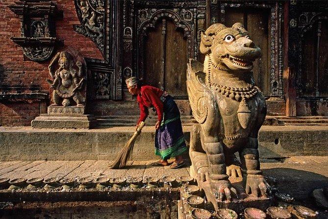 Private Hiking Day Trip from Kathmandu to Nagarkot and Changu Narayan
