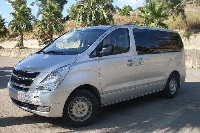 Private Arrival Transfer: Marrakech Airport to Marrakech Hotel photo 1
