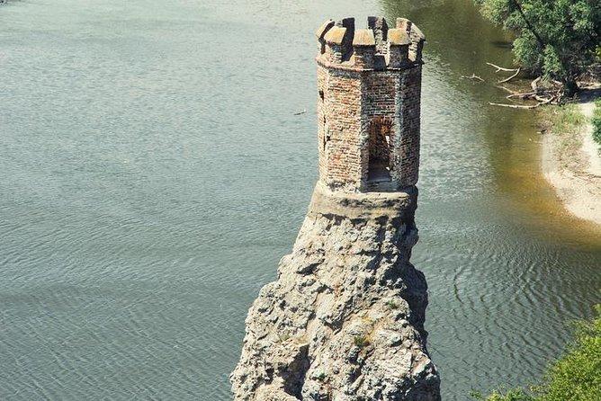 Excursão ao Castelo Devin com degustação de vinhos de groselha