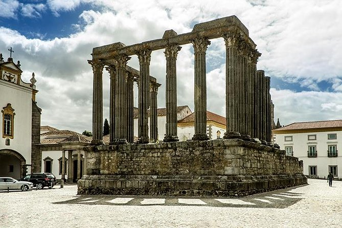 Private Tour to Evora and Monsaraz from Lisbon